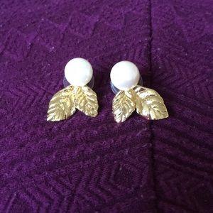 Kate Spade pearl and gold leaf earrings
